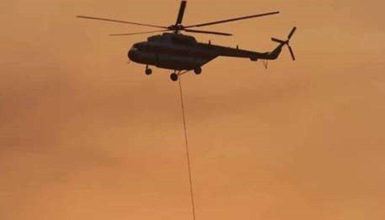 ۱۱ ساعت پرواز بالگرد هلال احمر برای مهار آتش در تالاب انزلی
